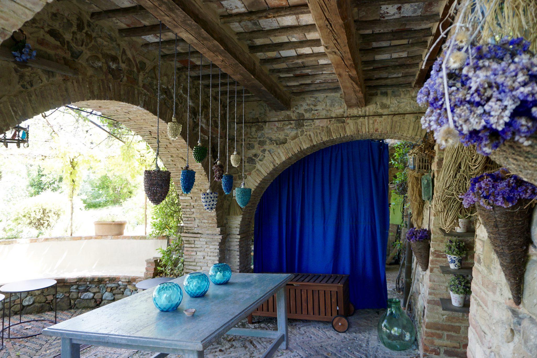 tuscan villa farmhouse, tuscany, italy
