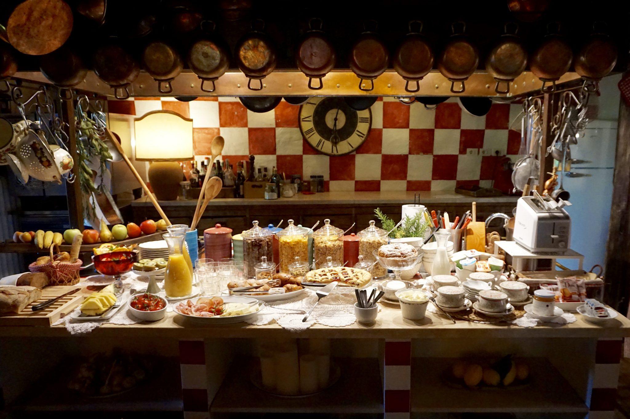 hotel lupaia breakfast, tuscany, italy
