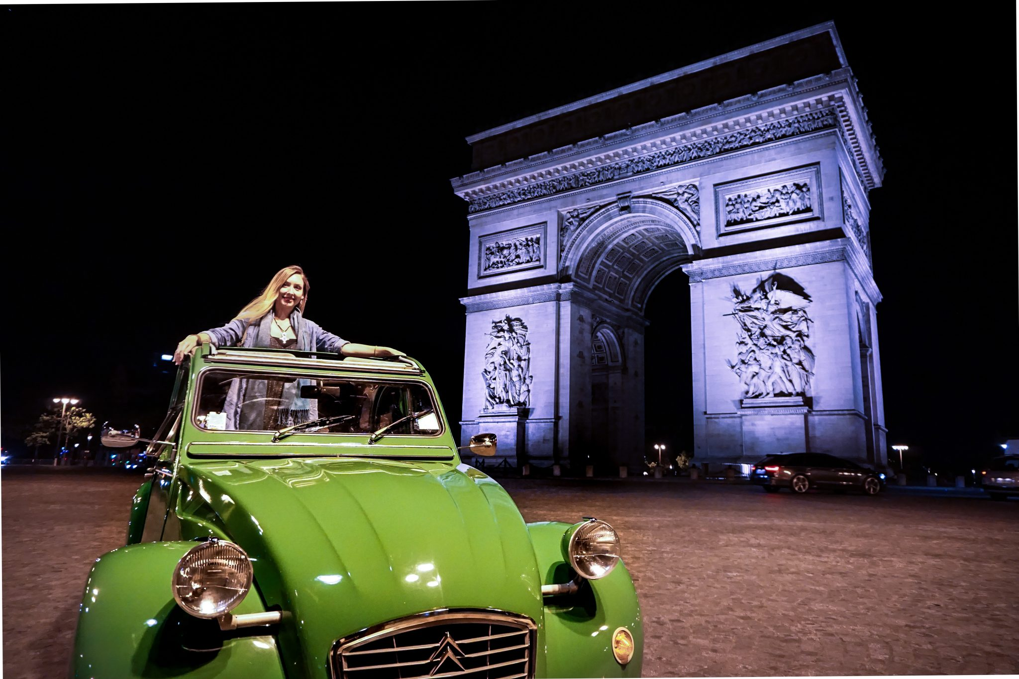 arc de triomphe, Paris, 2CV, unique tour in Paris