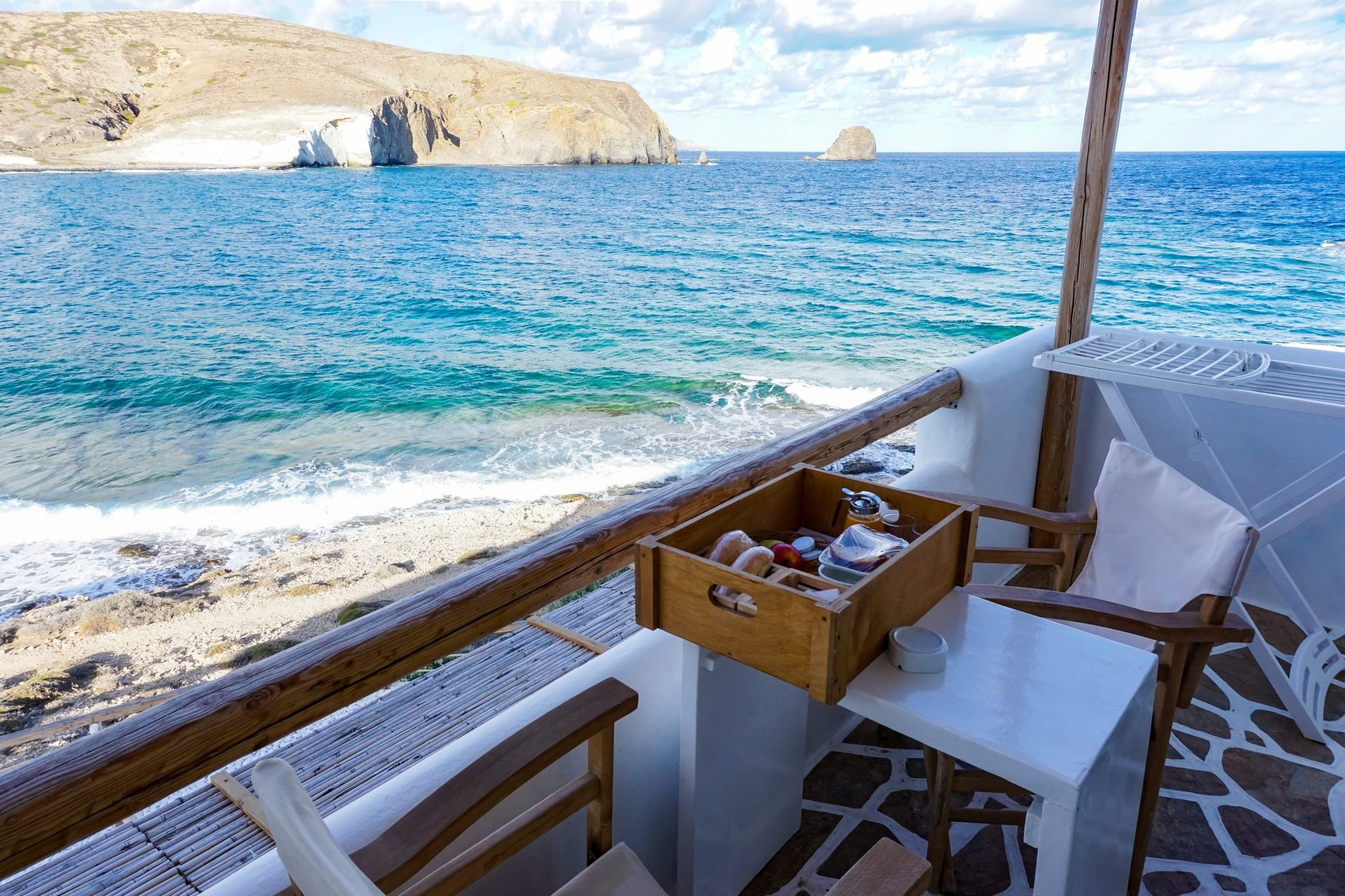 breakfast, salt suites, milos, greece