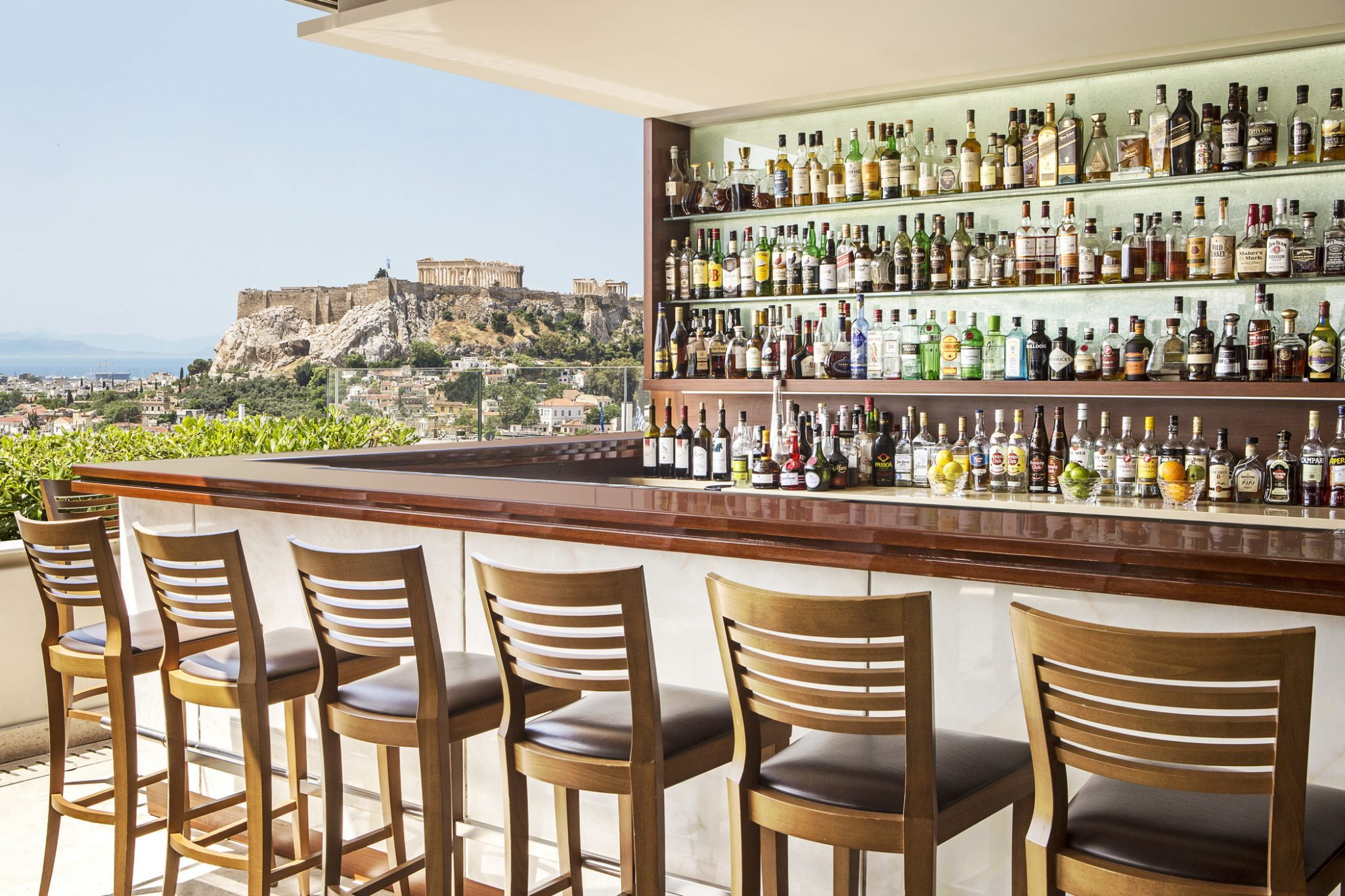 hotel grande bretagne acropolis view from bar