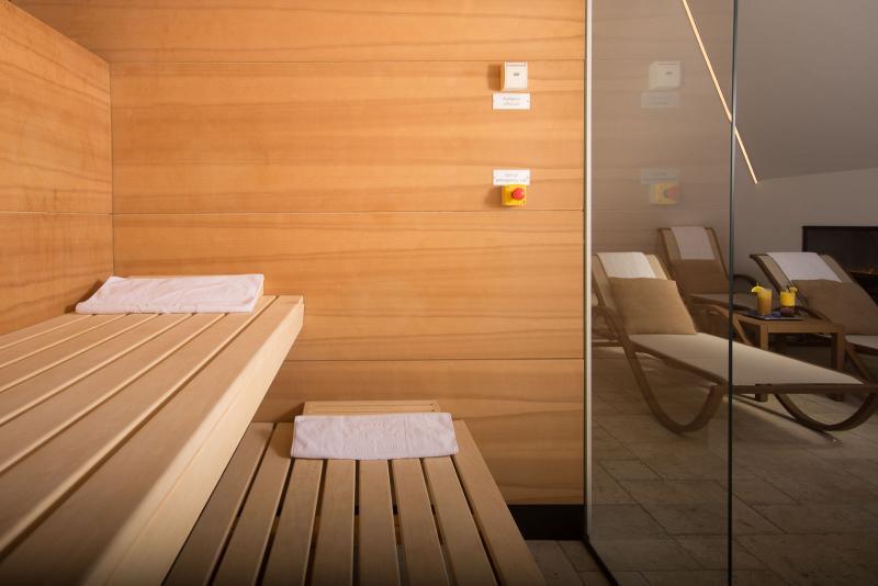 sauna, seehotel gruner baum, Hallstatt in winter, Austria