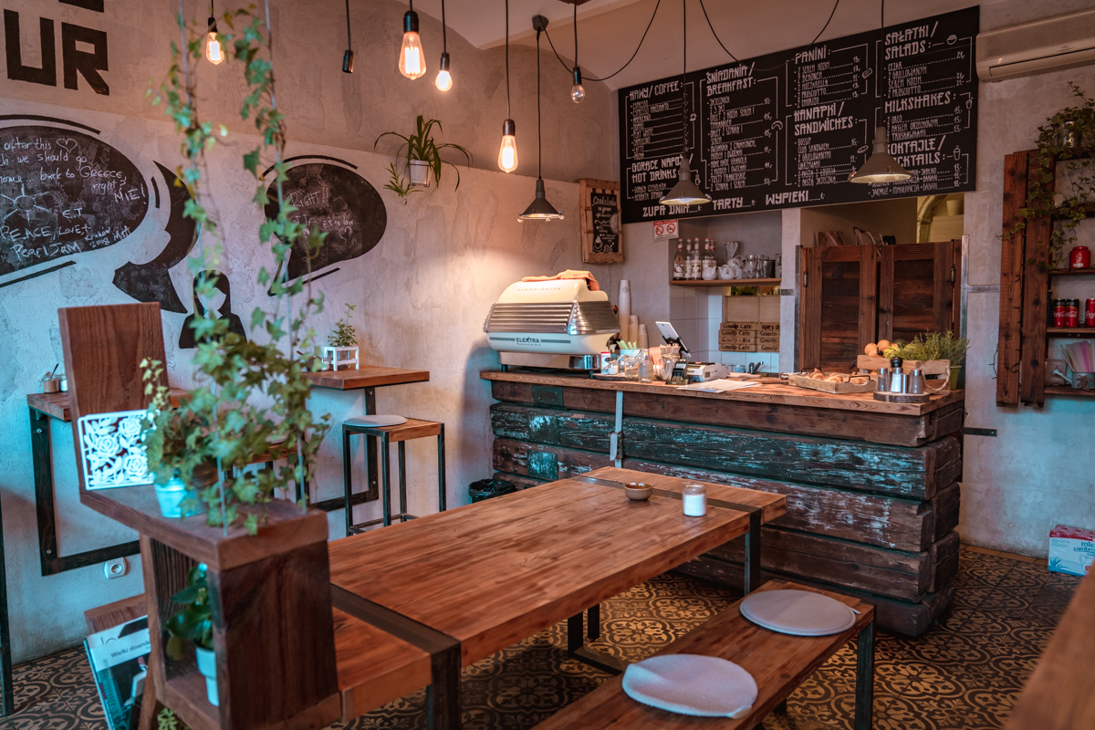 krakow gossip cafe