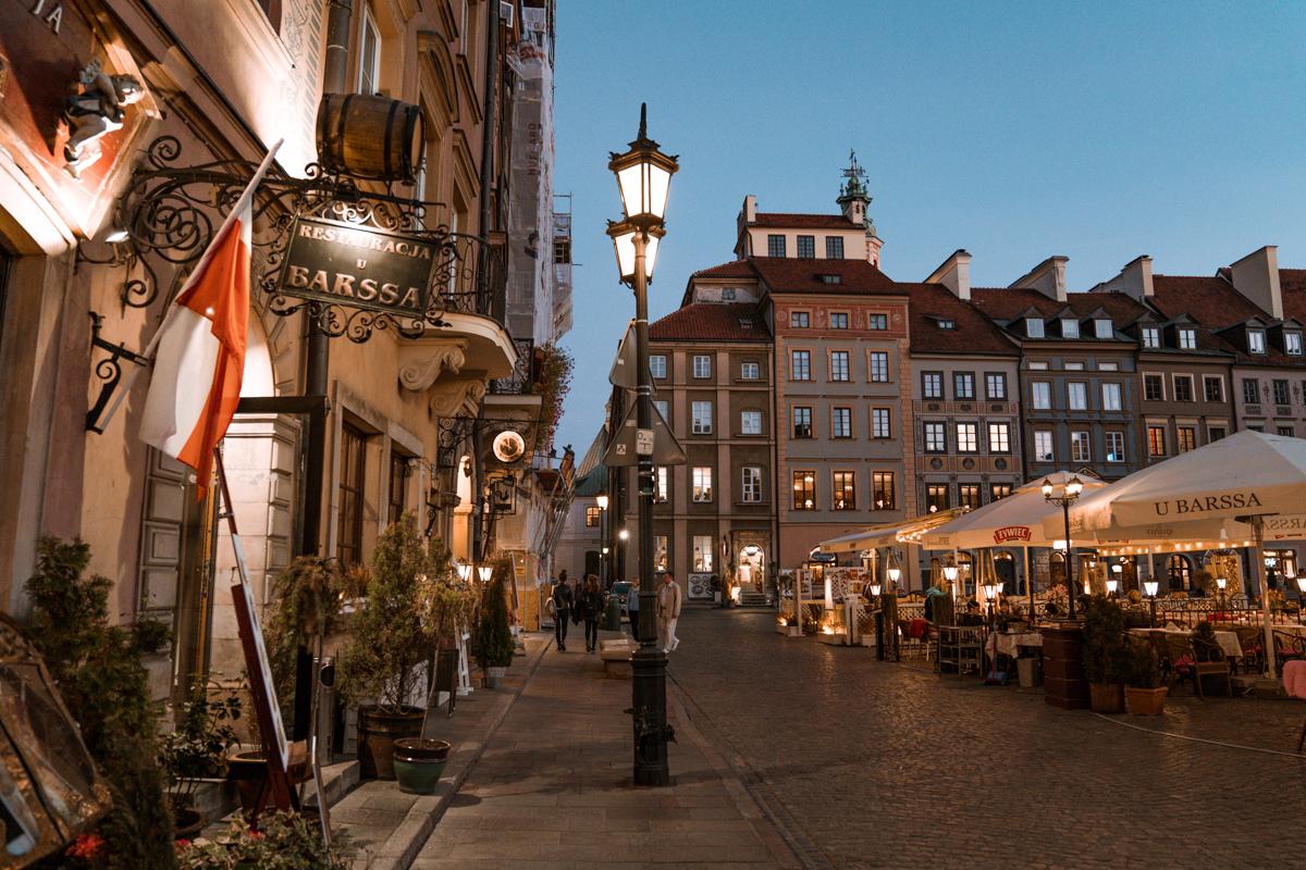 Warsaw old town at night