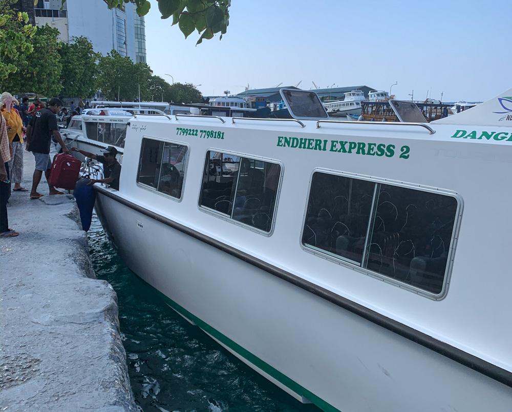 Dhigurah speed boat