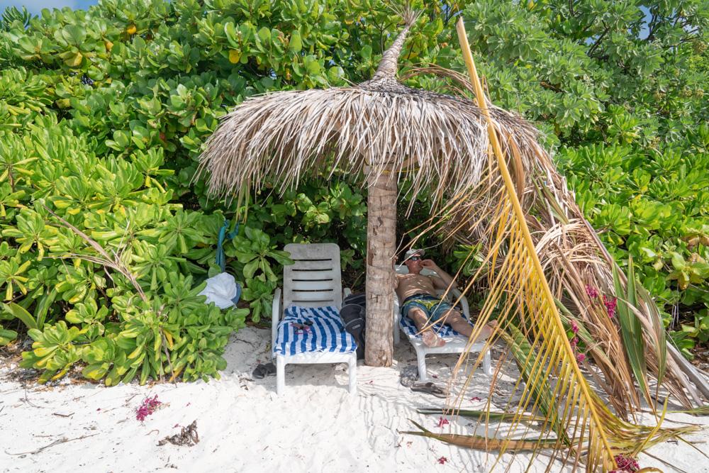 Fulhadhoo cabanas at bikini beach