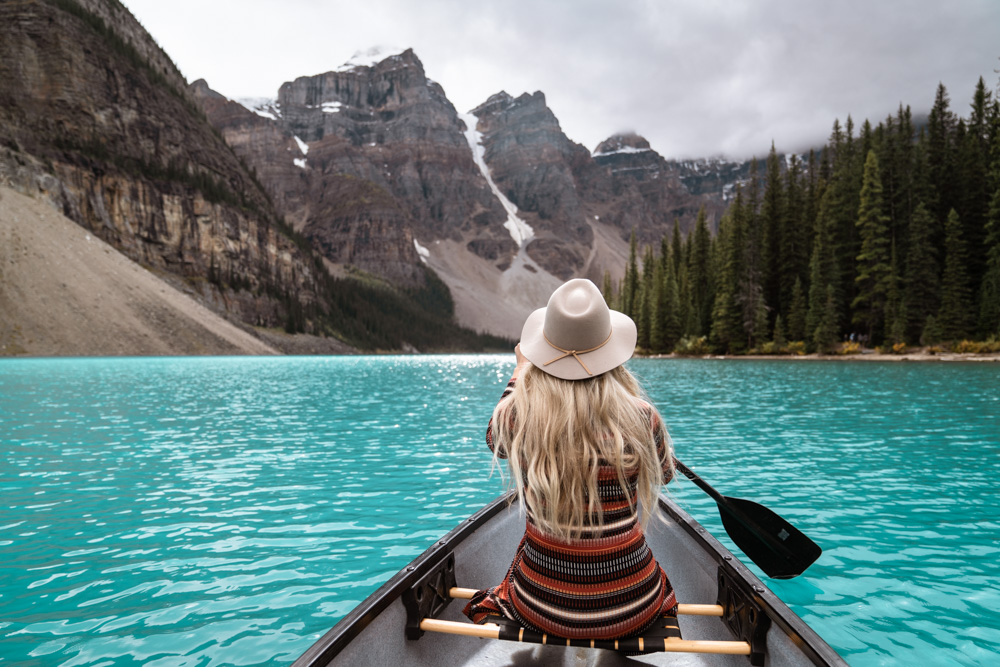 canoeing Moraine Lake Banff